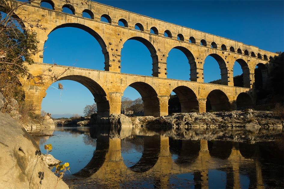 Puente romano Pont du Gard en Francia.