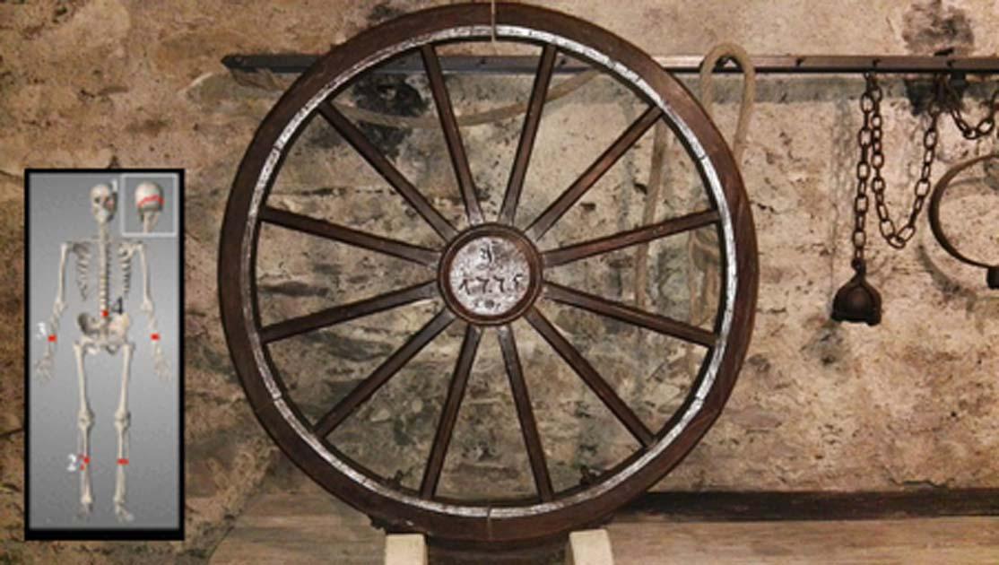 Hombre medieval deformado por la rueda de la tortura