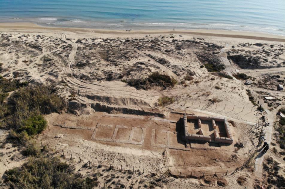 El sitio costero español de El Moncayo-Torre del Descargador, donde se descubrieron la antigua villa romana, la torre islámica y la mezquita.