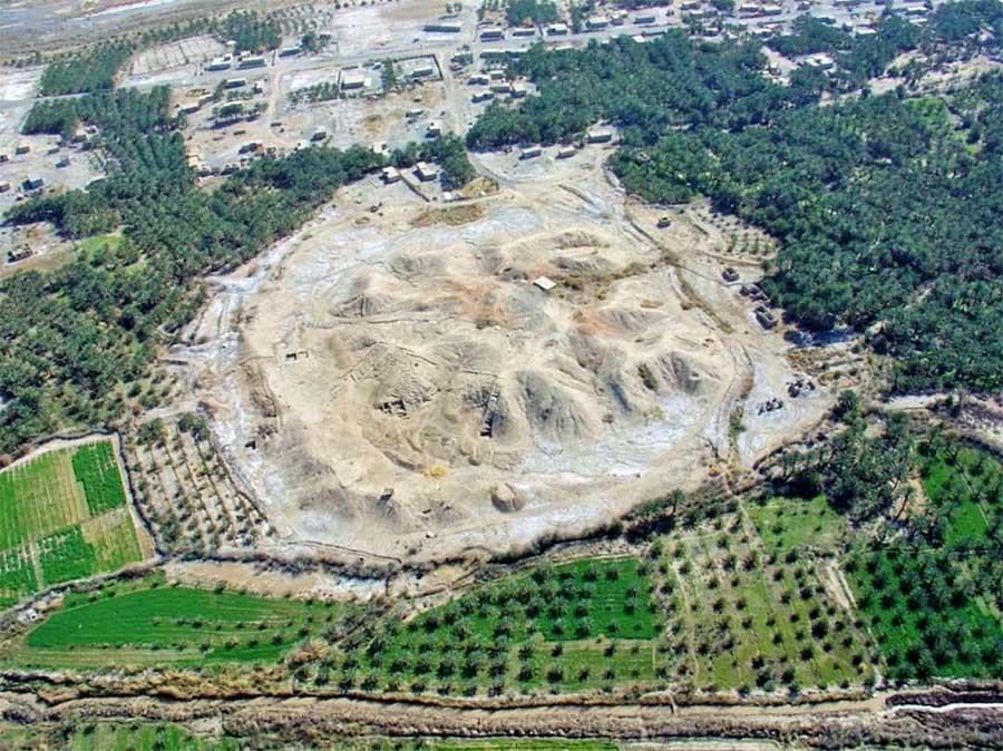 Imagen aérea del sitio arqueológico de Konar Sandal al sur de la ciudad de Jiroft, que se cree que son los restos de una cultura Jiroft perdida hace mucho tiempo.
