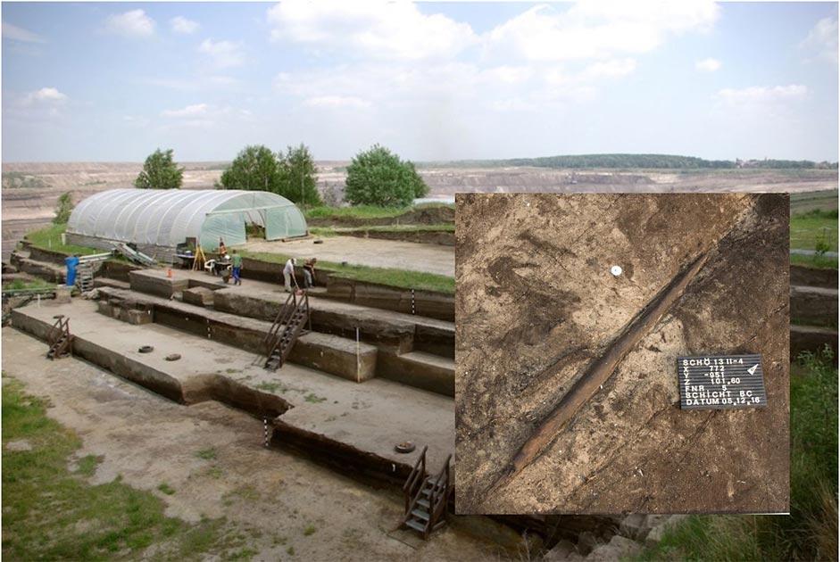 """Principal: Vista sobre las excavaciones en Schöningen en Alemania. Recuadro: El """"palo asesino"""" que fue desenterrado en el sitio de excavación. Fuente: Eberhard Karls Universität Tübingen"""