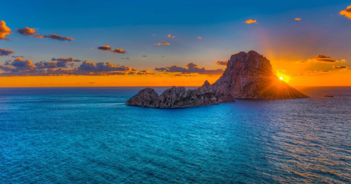 Isla de Es Vedrá. Fuente de la foto: © Joan Vadell