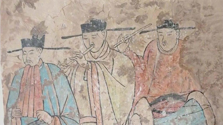 Los agricultores de Mongolia Interior descubrieron este antiguo fresco que representa a los Khitanes tocando música. Fuente: Xinhua