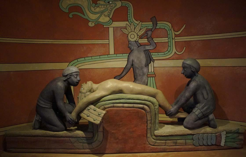sacrificio maya. Fuente: Efraimstochter / Public Domain.