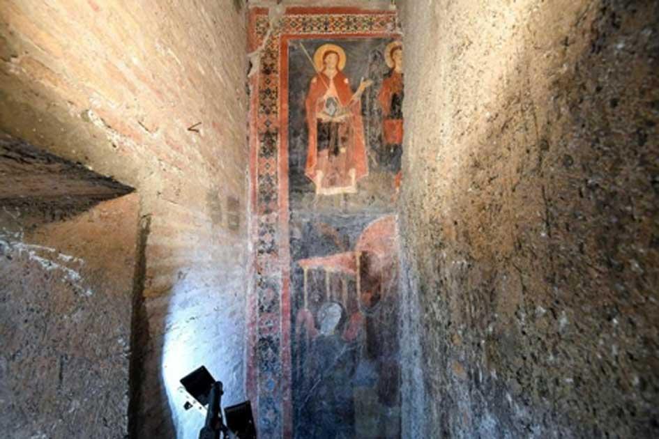 El fresco bien conservado, de colores brillantes de San Alexis y Cristo el Peregrino. Fuente: ABC