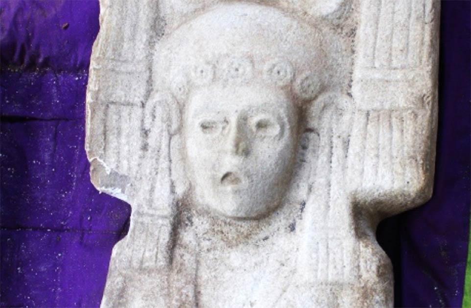 La estatua de una mujer mesoamericana fue descubierta en Álamo Temapache, Veracruz en México por agricultores de cítricos.