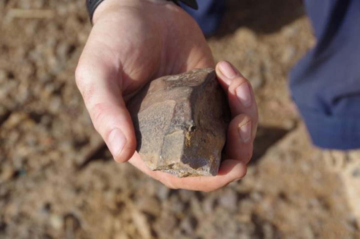 Artefacto recién encontrado de la Edad de Piedra Media en Laminia, Senegal