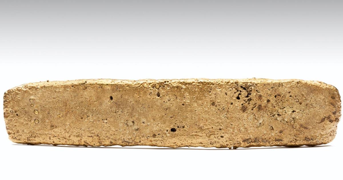 """Barra de oro conocida como el """"Tejo dorado"""". Fuente: INAH. Autor Ed Whelan"""
