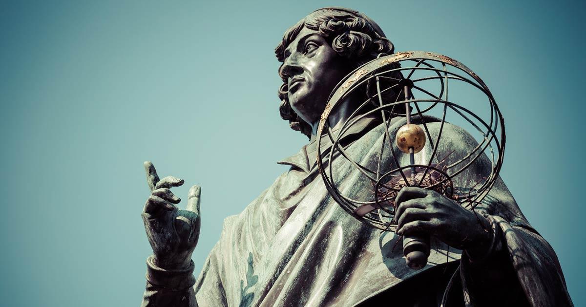 Monumento del gran astrónomo Nicolás Copérnico, Torun, Polonia.