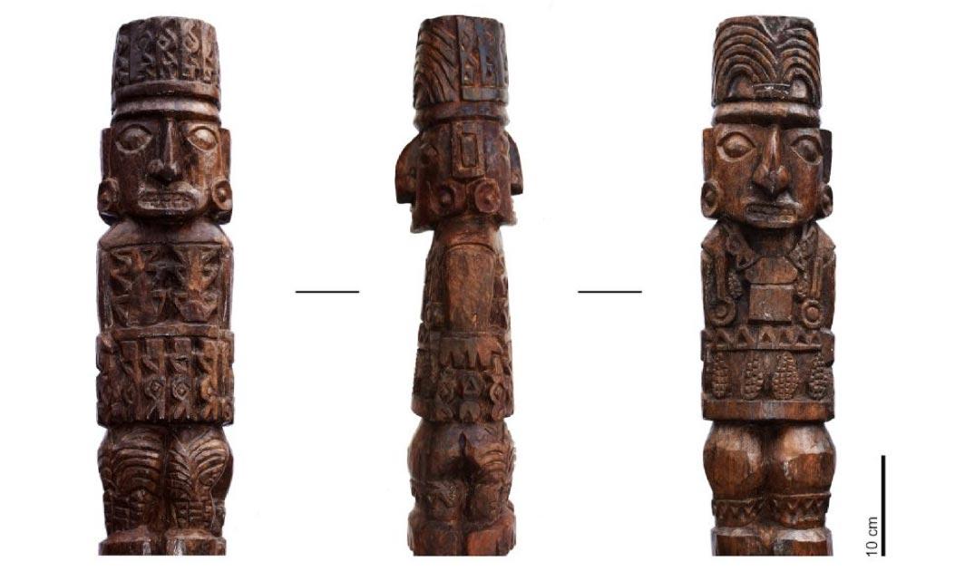 La estatua de madera del ídolo de Pachacamac. Fuente: (Sepúlveda M, Pozzi-Escot D, Angeles Falcón R, Bermeo N, Lebon M, Moulhérat C, et al. (2020) / PlosOne)/ Museo de sitio Pachacamac