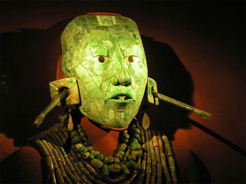 Parece haber un esfuerzo concertado para mantener en secreto los datos científicos realizados después del descubrimiento de 1952 de los restos de Pakal el Grande. ¿Qué esconden?
