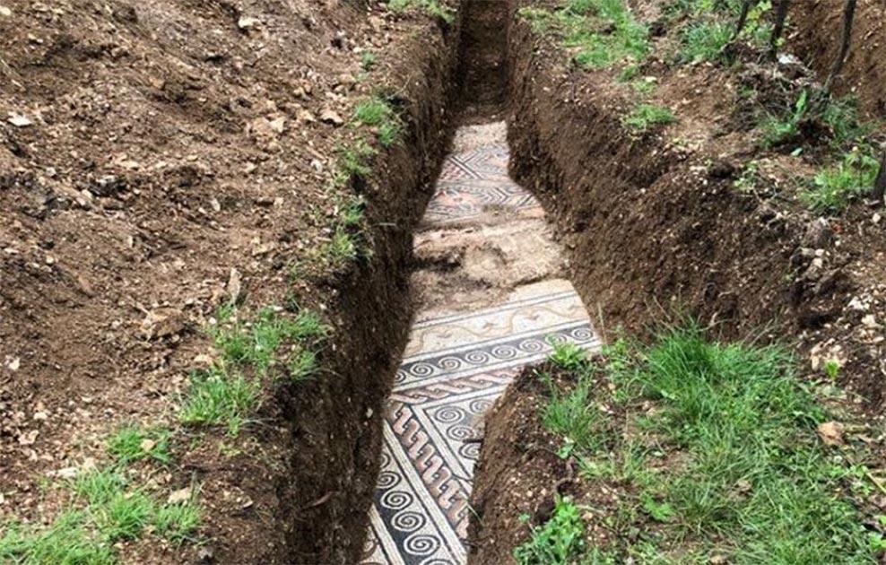Piso de mosaico romano desenterrado en Negrar di Valpolicella, Italia. Fuente: Comune di Negrar di Valpolicella