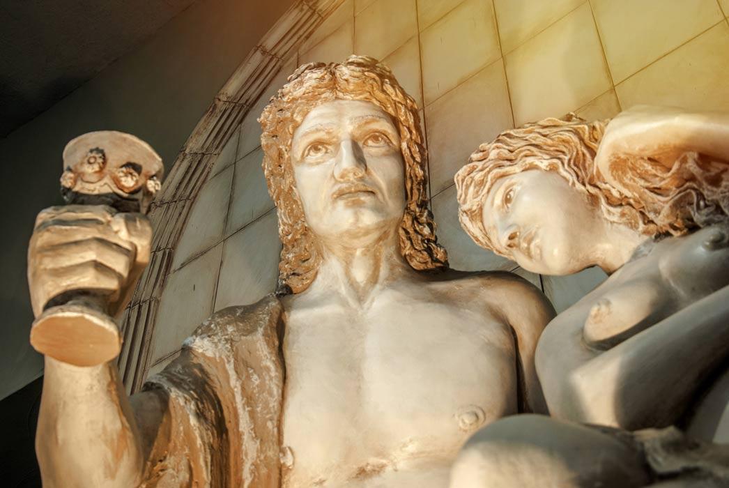 Baco era el dios romano del vino. Los romanos agregaron 'azúcar de plomo' tóxico para endulzar la bebida preferida de los dioses y sufrieron resultados tóxicos.