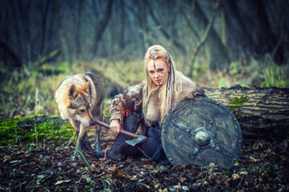 mujer guerrera eslava enterrada con un hacha descubierta en Dinamarca. Fuente: : Danrentea/ Adobe Stock.