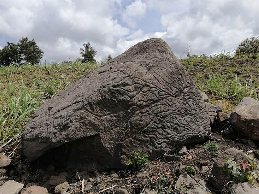 El antiguo mapa de piedra que data del 200 a. C. al 200 d. C. se descubrió en Colima, México. Fuente: INAH