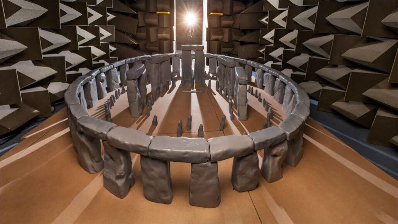 un equipo de la Universidad de Salford ha construido un modelo a escala de Stonehenge para probar la acústica de la famosa estructura neolítica