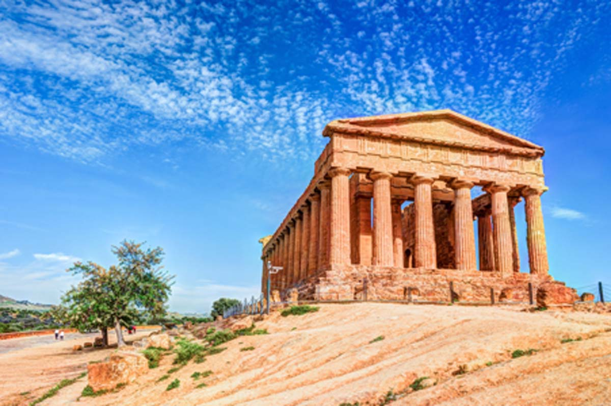 Templo de la Concordia, Valle de los Templos Fuente: romas_ph/ Adobe Stock