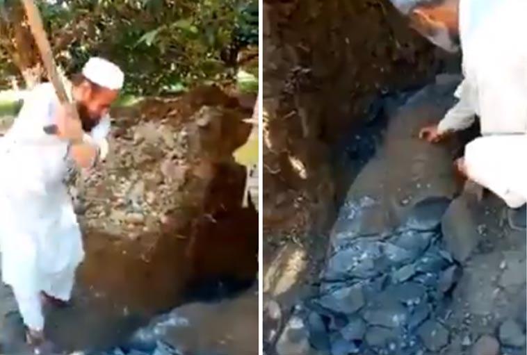Captura de pantalla del video que muestra a vándalos en Pakistán destruyendo una estatua budista. Fuente: Twitter