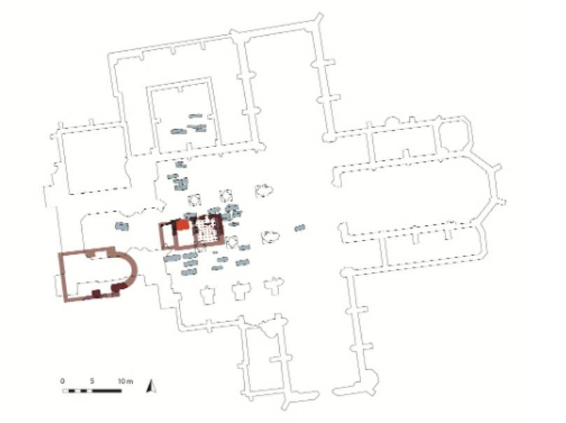 Planta de la Catedral de Frankfurt, en la que podemos observar marcado en rojo oscuro, cerca del centro del edificio, el lugar en el que los restos de los niños fueron enterrados. (Gráfico realizado por el Museo Arqueológico de Frankfurt)