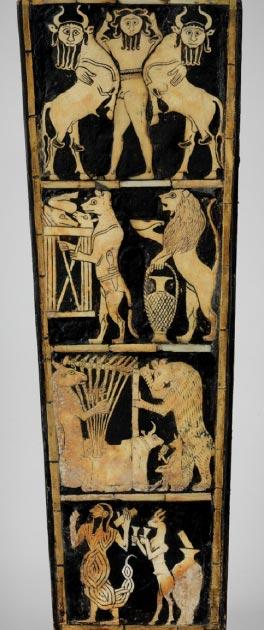 Todas las imágenes del frente de la Lira con cabeza de toro encontradas en las Tumbas Reales de Ur. (Museo de Penn)