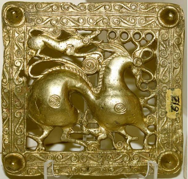 Hebilla de oro Escita, Azerbaiyán, siglo VII a. C. (Wikipedia)