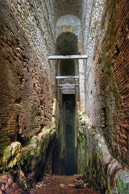 Gran túnel romano en el monte Salviano. (Claudio Parente / CC BY SA 4.0)
