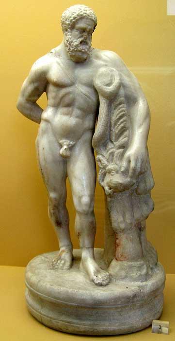 Estatua de Hércules en exhibición en el Museo Ágora de Atenas, que se encuentra en la Estoa de Atalo. (Юкатан / CC BY-SA 3.0)