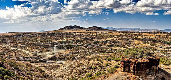 Garganta de Olduvai, Tanzania, lugar en el que se ha encontrado la falange perteneciente a la mano moderna más antigua conocida. (Wikimedia Commons)