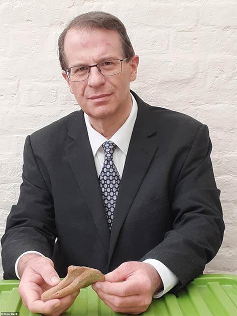 El profesor Ken Dark de la Universidad de Reading ha publicado un libro que presenta un caso plausible de que el sitio debajo del convento de Nazaret es el hogar de la infancia de Jesucristo. (Ken Dark)