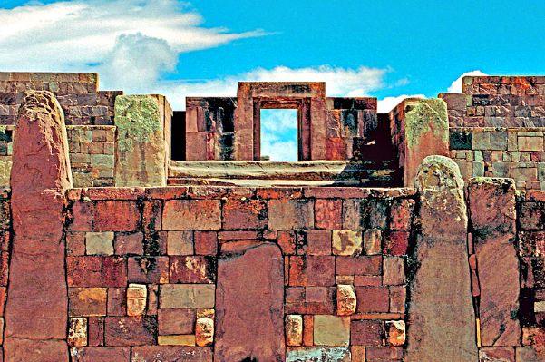 El templo de las Piedras Paradas o Kalasasaya, observatorio astronómico de los tiahuanacotas. (Flickr)