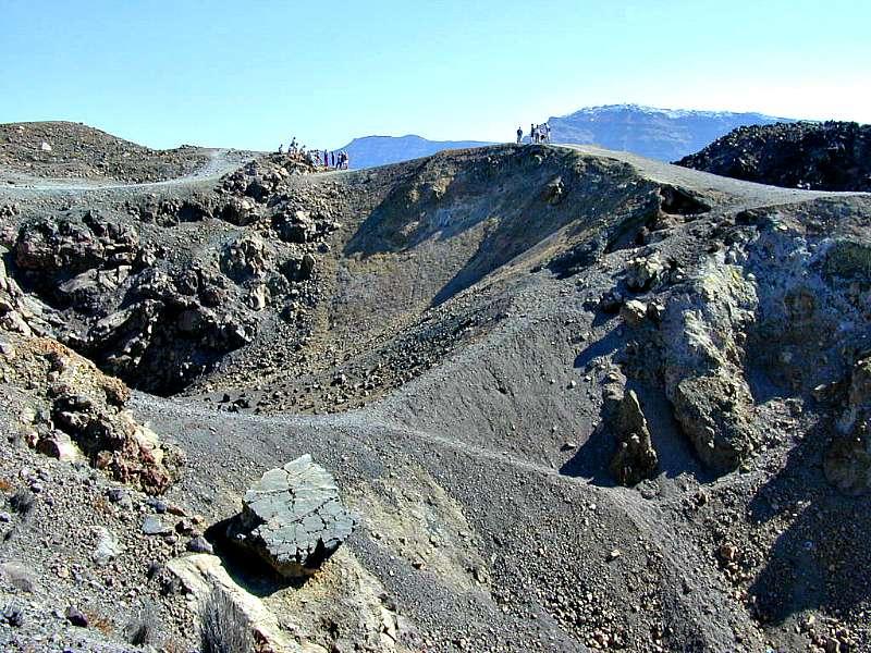 Cráteres volcánicos de la isla griega de Santorini (Wikimedia Commons)