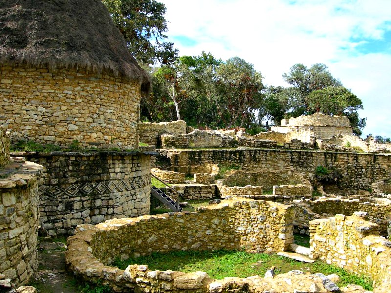 Restos de la fortaleza Chachapoya de Kuelap. Casi toda la información de la que disponemos acerca de esta cultura procede de las evidencias arqueológicas que aún se conservan. (Elemaki/CC BY-SA 2.5)