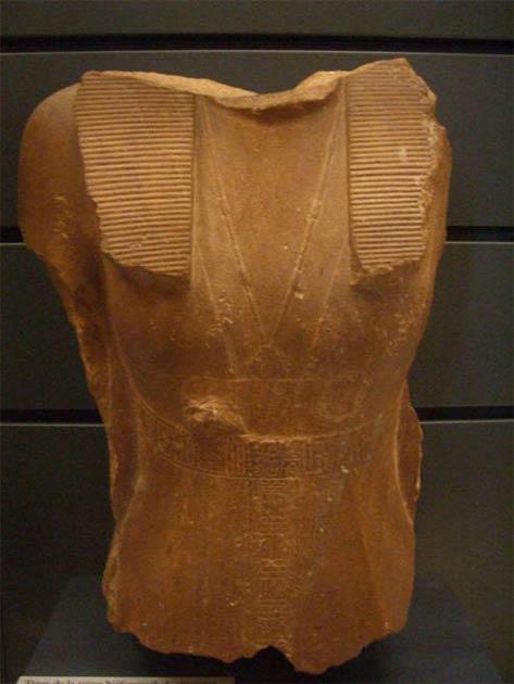 Busto de Sobekneferu en exhibición en el Louvre, París. Crédito: Acuerdo Wiki Commons, 2020.