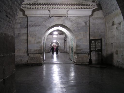 Interior de la tumba Dingling-una de las tumbas de la Dinastía Ming-(Imagen meramente ilustrativa) Wikimedia Commons