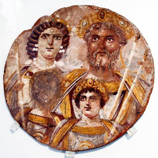 La dinastía Severa, alrededor del año 200 d.C., muestra a Septimio Severo con su familia: izquierda: esposa Julia Domna; mitad inferior: hijos Geta y Caracalla. (© José Luiz Bernardes Ribeiro)