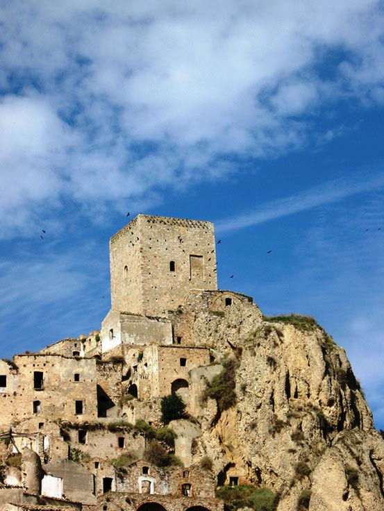 Torre Normanda, Craco, Italia (Michela R/Flickr)