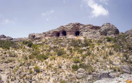 Bocas-Cueva-Tres-Ventanas-Peru.jpg