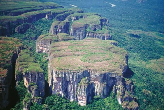 Panorámica del parque Chiribiquete, el lugar en el que se han descubierto las pinturas. (Carlos Castaño Uribe/Wikimedia Commons)