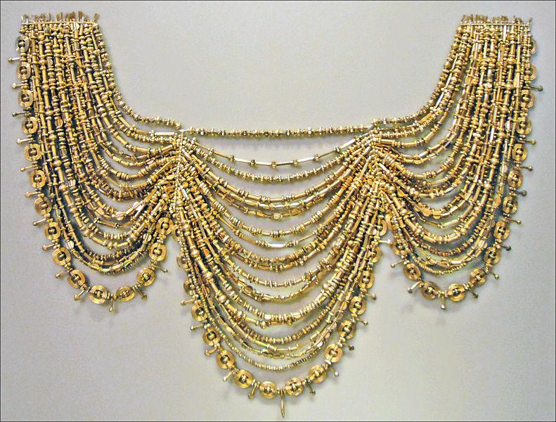 Uno de los objetos pertenecientes al Tesoro de Príamo (Wikimedia Commons)