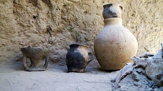 El ajuar funerario de la guerrera incluía algunas vasijas y cántaros de gran tamaño, lo que según los investigadores indica cierto grado de riqueza. Foto: MailOnline