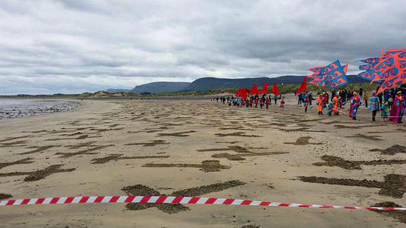 El homenaje fue organizado por la Grange and Armada Development Association (G.A.D.A.). (Fotografía: Twiter/Embajada de España en Dublín-ABC)