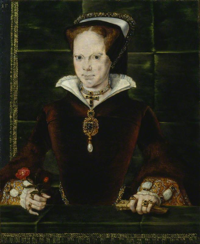 """Retrato de María I de Inglaterra e Irlanda., obra de Hans Eworth. Sobre su pecho se puede contemplar el colgante con la famosa perla """"La Peregrina"""" que le regaló Felipe II en 1554 con motivo de su matrimonio. (Public Domain)"""