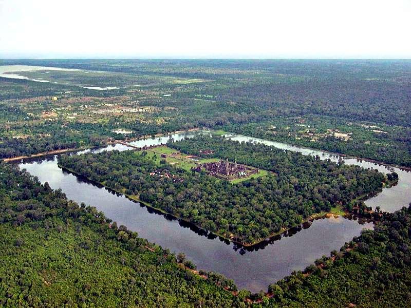 Vista aérea de Angkor Wat. (Wikimedia Commons)