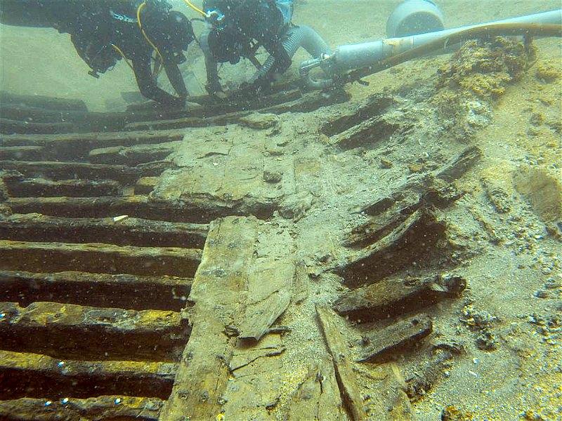 Imagen de las tareas de investigación arqueológica llevadas a cabo hace unos años sobre el pecio Cap de Vol. (Fotografía: National Geographic España/CESC)