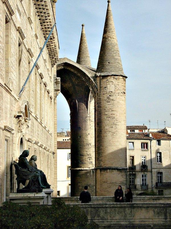 Entrada de la Facultad de Medicina de la Universidad de Montpellier, donde estudió Michel de Nostradamus. (Paul Morris/CC BY-SA 2.0)