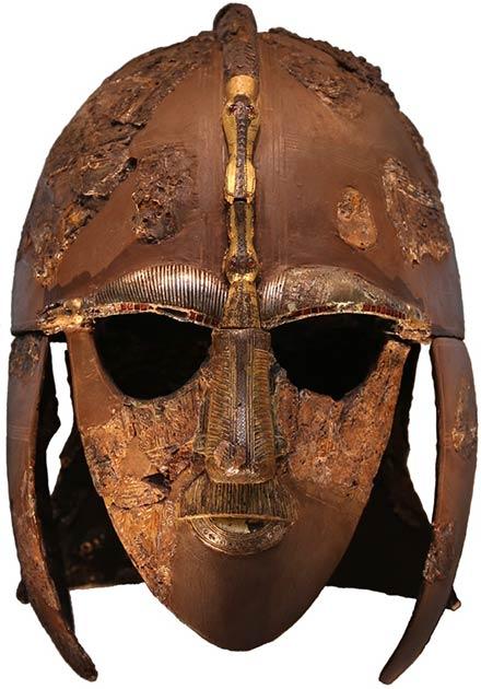Apodado el casco Sutton Hoo, este casco descubierto en 1939 en Inglaterra, se ha comparado con los cascos Vendel y se ha encontrado que es similar. (Dominio público)