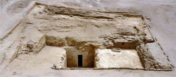 Entrada de la tumba de Nimsero en Luxor. (Fotografía: eldiario.es/canariasahora)