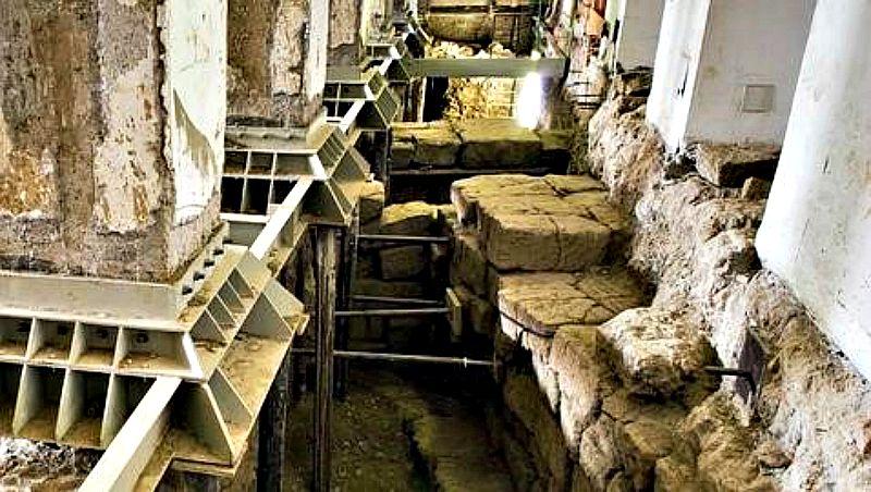 Los restos de la vivienda fueron descubiertos al realizar obras de reestructuración en el Palacio Canevari para transformarlo en un edificio de oficinas. (Fotografía: ABC)