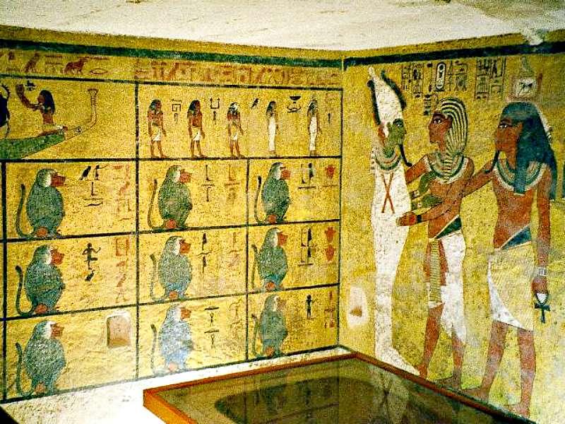 Interior de la tumba de Tutankamón situada en el famosísimo Valle de los Reyes (Wikimedia Commons)