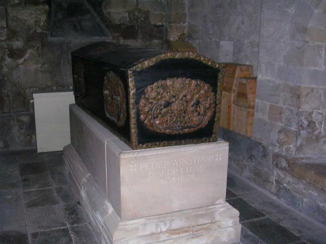 El ataúd de Peder Winstrup, que se ha descubierto recientemente que contenía un feto (Wikimedia Commons)